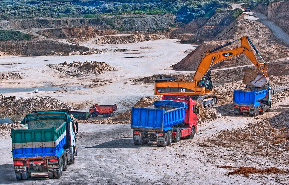 Explotación de Cantera Excavaciones y Movimientos de Tierra